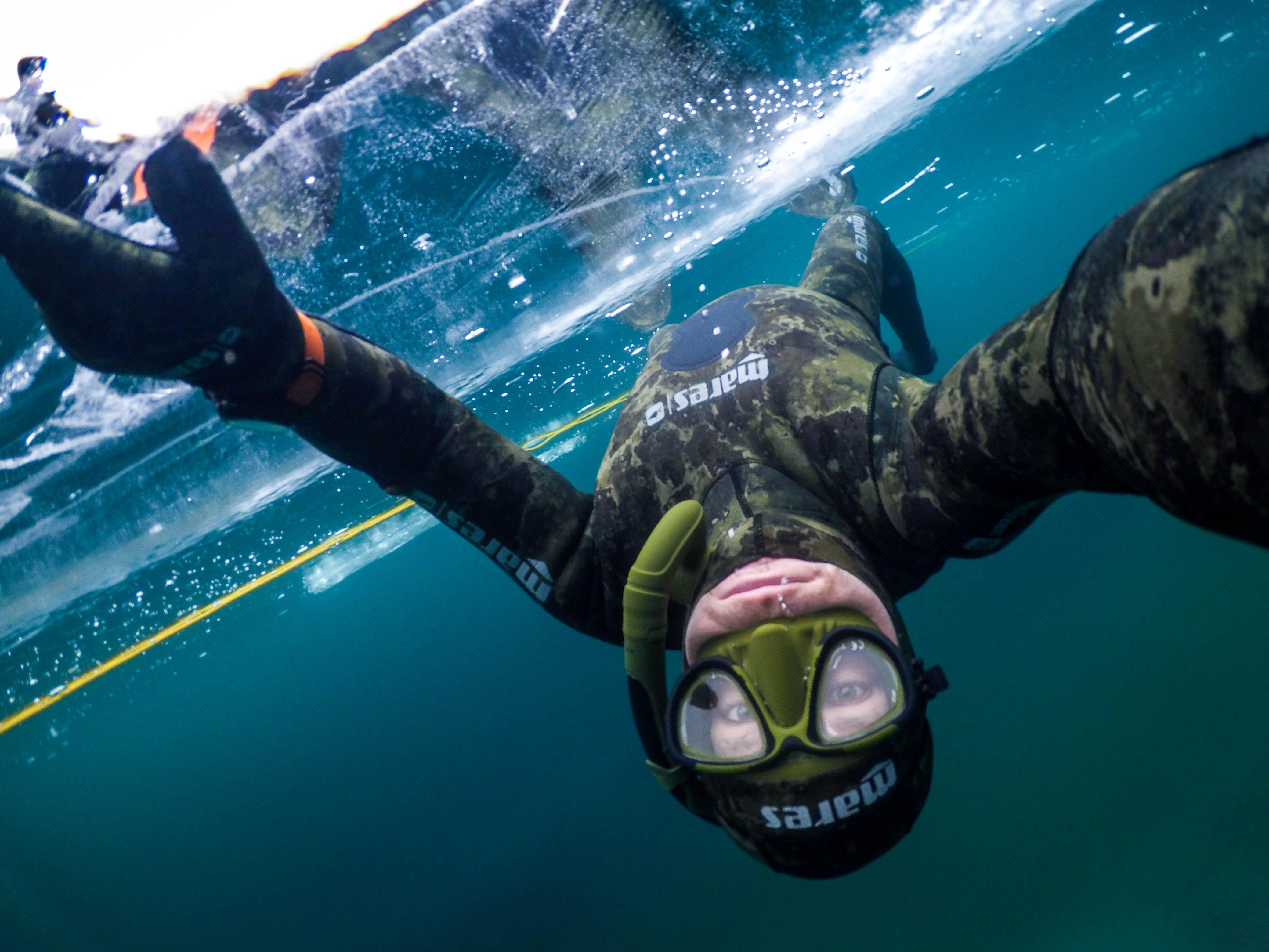 Under Ice Diving - Gulaska - Potapanie pod Ladom